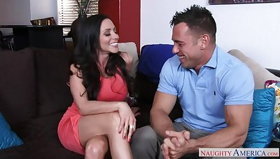 Ariella Ferrera fucking in the couch in her outie pussy