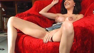Naughty unskilful Mai Bailey spreads her legs to masturbate. HD