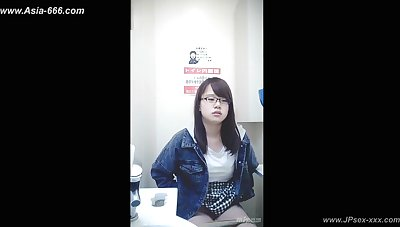 meddlesomeness asian office lady move forward to toilet.6