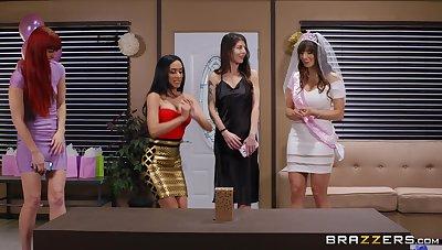 Hardcore bonking on the sofa with wife Lexi Luna and Tia Cyrus