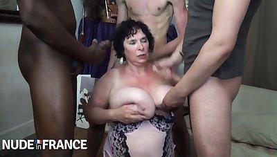 Horny granny fucked by yoke valiant young guys