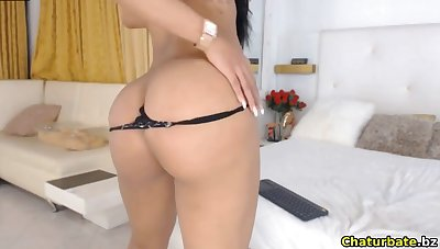 Off colour latina with long legs makes you horny on webcam