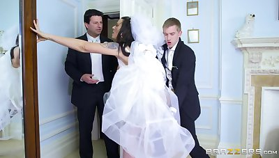 Man's steel inches supply the bride one last time before she gets married