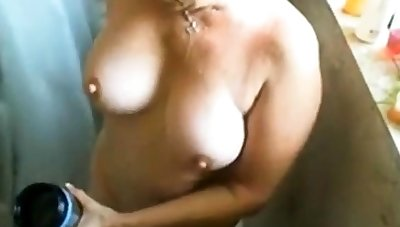 Beetle off on busty matured woman while she showers!