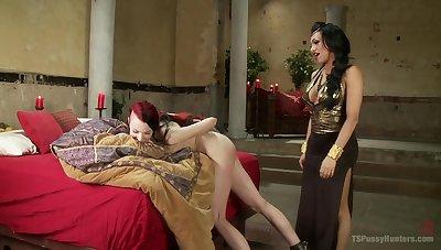 Shemale Jessy Dubai adores to fuck her sexy friend Kajira Bound